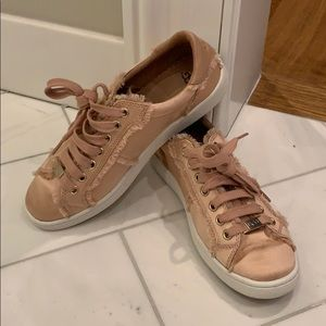 Ugg Rose Gold Casual Sneakers